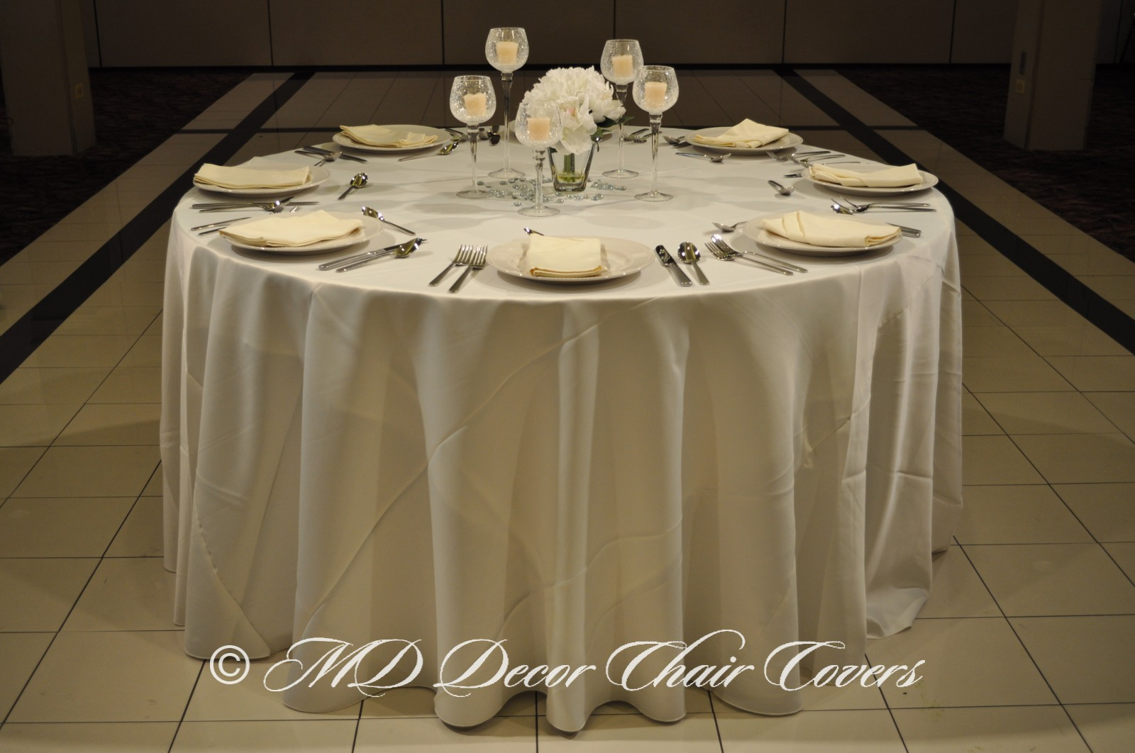 Ivory-Satin-Lamour-Tablecloth