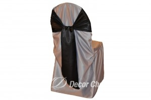 SILVER-SATIN-LAMOUR-CHAIR-COVER