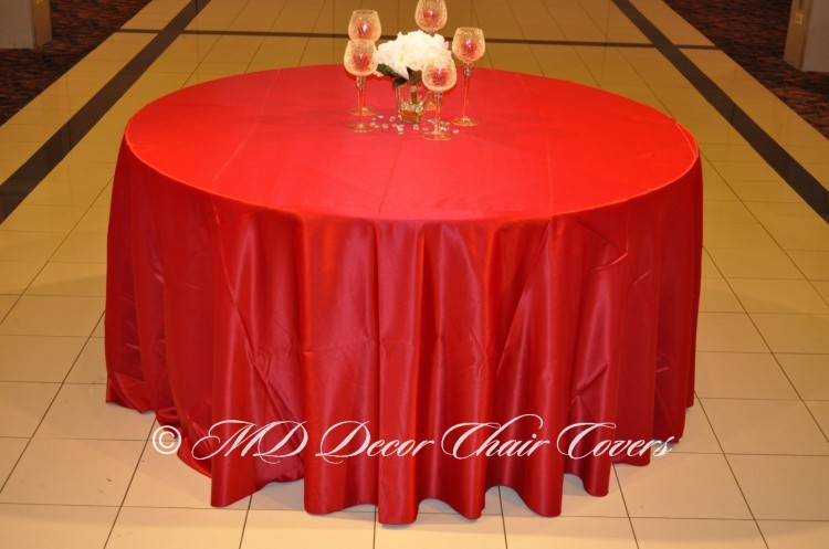 Cranberry-Satin-Lamour-Tablecloth
