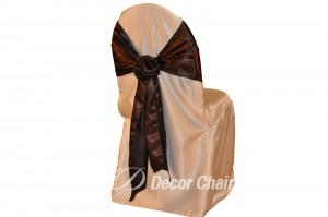IVORY-SATIN-LAMOUR-CHAIR-COVER